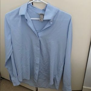 Blouse never worn
